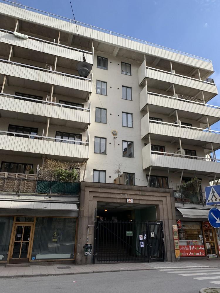 Befintliga balkongräcken Alströmergatan 32 Kungsholmen Sthlm.