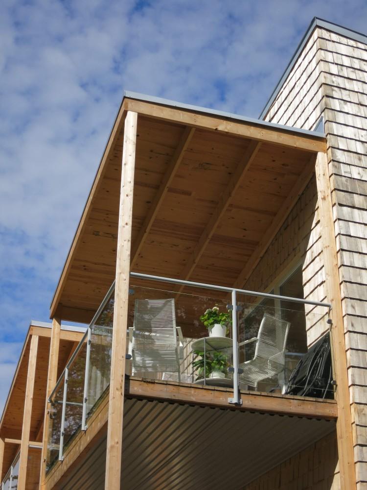 Övre balkong på hus 2 2017-06-28