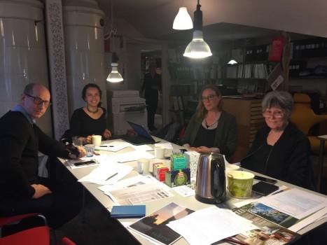 Möte inför jämförelseförfarande Etapp 4 Årstafältet. Slättö inbjudna med Hållkollbo som medpart. April 2017.