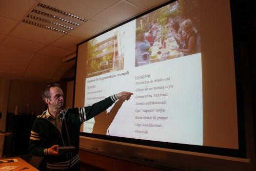 Projektledare Nils Söderlund föreläser om byggemenskaper